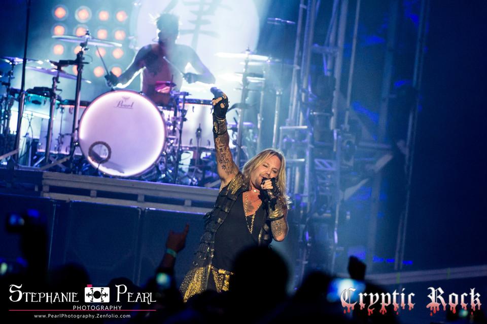 Mötley Crüe Historic Final Tour Nikon at Jones Beach Theater, NY 8 ...