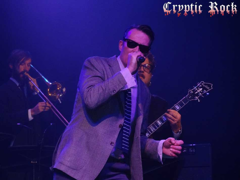 Scott Weiland xmas for paramount article