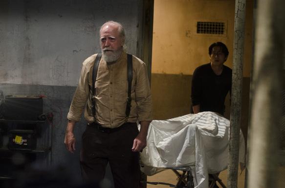 Hershel Greene (Scott Wilson) and Glenn (Steven Yeun) - The Walking Dead _ Season 4, Episode 5 - Photo Credit: Gene Page/AMC