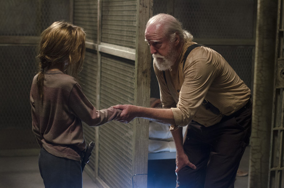 Lizzie (Brighton Sharbino) and Hershel Greene (Scott Wilson) - The Walking Dead _ Season 4, Episode 5 - Photo Credit: Gene Page/AMC
