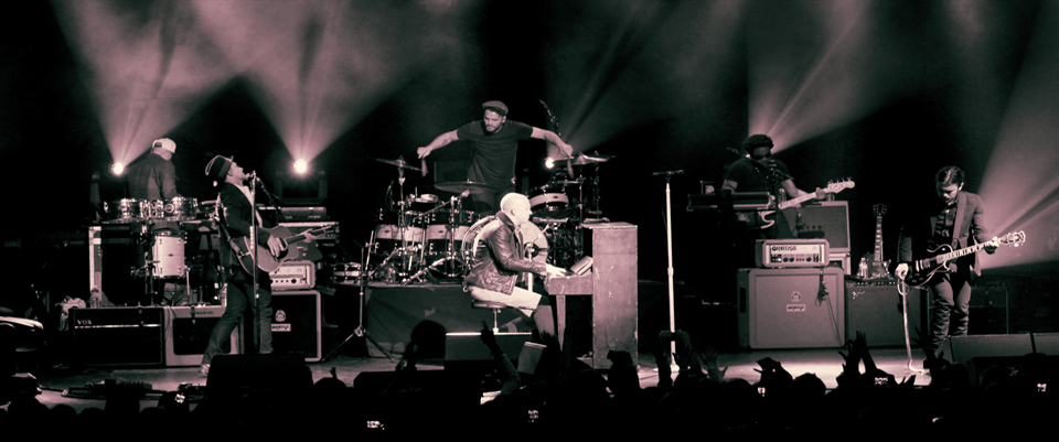 the fray slide - The Fray return to The Paramount Huntington, NY for a sell out 1-31-14