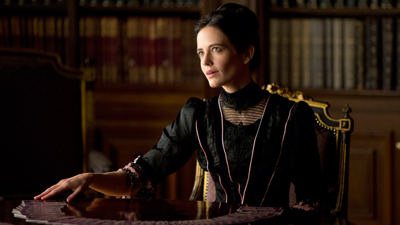 Eva Green as Vanessa in Penny Dreadful (Episode 101).