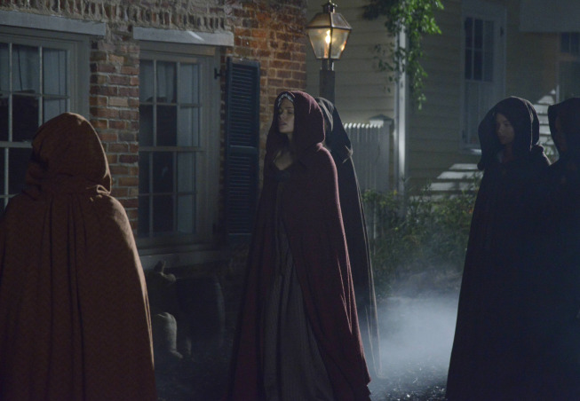 """SLEEPY HOLLOW: Katrina Crane (Katia Winter, C) encounters her Witches Coven in the """"The Golem"""" episode of SLEEPY HOLLOW airing Monday, Dec. 9 (9:00-10:00 PM ET/PT) on FOX. ©2013 Fox Broadcasting Co. CR: Brownie Harris/FOX"""