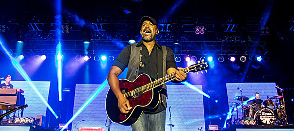 hootie edited 1 - Darius Rucker delights Pennysaver Amphitheater Farmingville, NY 7-26-14 with Eric Paslay & Joel Crouse