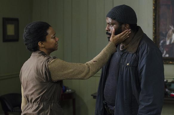 Sonequa Martin-Green as Sasha and Chad Coleman as Tyreese - The Walking Dead _ Season 5, Episode 3 - Photo Credit: Gene Page/AMC