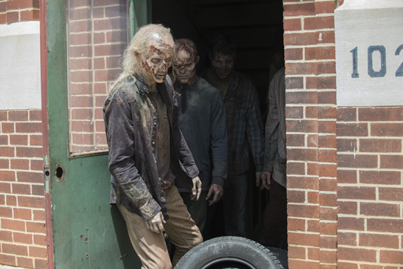 Walker - The Walking Dead _ Season 5, Episode 5 - Photo Credit: Gene Page/AMC