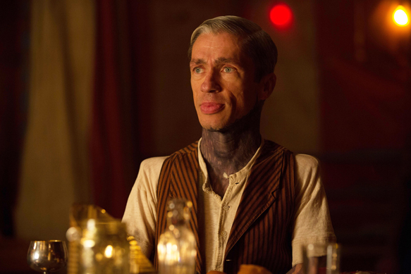"AMERICAN HORROR STORY: FREAK SHOW ""Show Stoppers""- Episode 412 (Airs Wednesday, January 14, 10:00 PM e/p) --Pictured: Mat Fraser as Paul the Illustrated Seal. CR: Michele K. Short/FX"