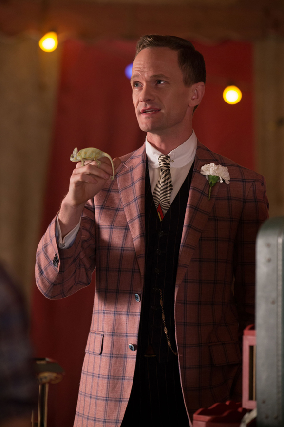 """AMERICAN HORROR STORY: FREAK SHOW """"Magical Thinking""""- Episode 411 (Airs Wednesday, January 7, 10:00 PM e/p) --Pictured: Neil Patrick Harris as Chester. CR: Michele K. Short/FX"""