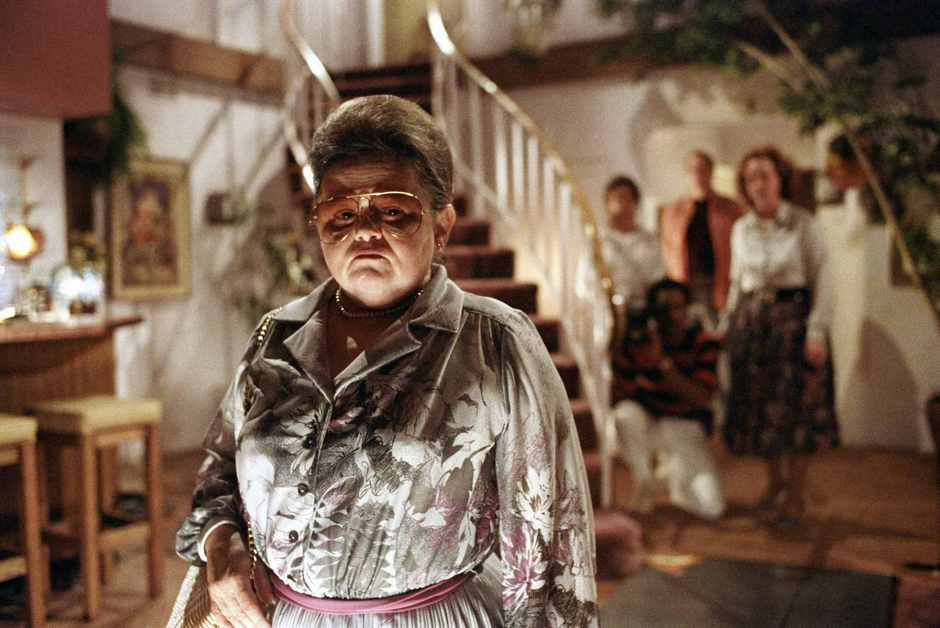 Zelda-Rubinstein-in-Poltergeist-1982-Movie