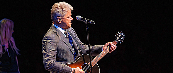 peter slide - Peter Cetera captures NYCB Theatre at Westbury, NY 6-13-15