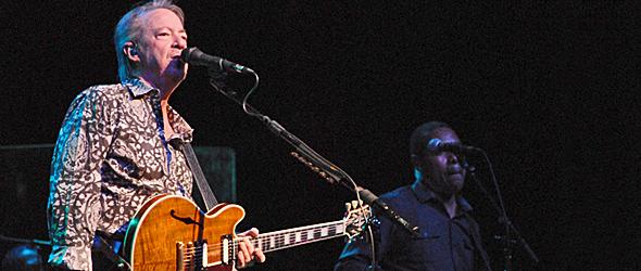 boz slide - Boz Scaggs Captivates The Paramount Huntington, NY 10-25-15