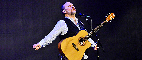 colin slide - Colin Hay Fascinates Town Hall NYC 11-19-15