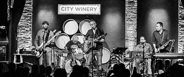 toadies slide - Toadies Have Intimate Evening At City Winery, NYC 11-10-15