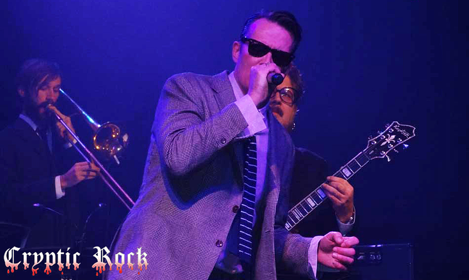 Scott-Weiland-xmas-for-paramount-article