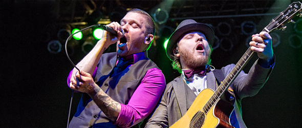 shinedown slide - Shinedown's Smith & Myers Bring Special Acoustic Show To Long Island, NY 12-13-15