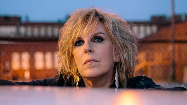 lucinda-williams-2016