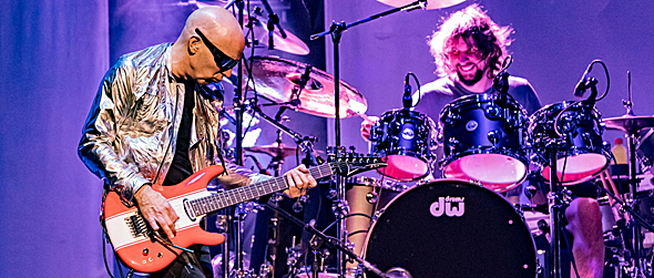 satch slide - Joe Satriani's Triumphant Return Home Tilles Center Greenvale, NY 4-1-16