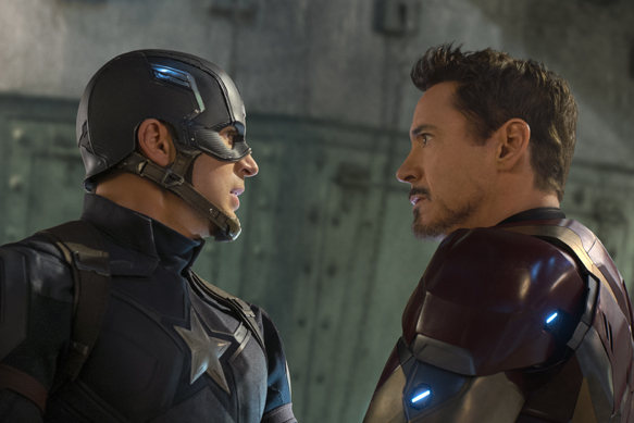 Captain America: Civil War..L to R: Captain America/Steve Rogers (Chris Evans) and Iron Man/Tony Stark (Robert Downey Jr.) ..Ph: Zade Rosenthal ..©Marvel 2016