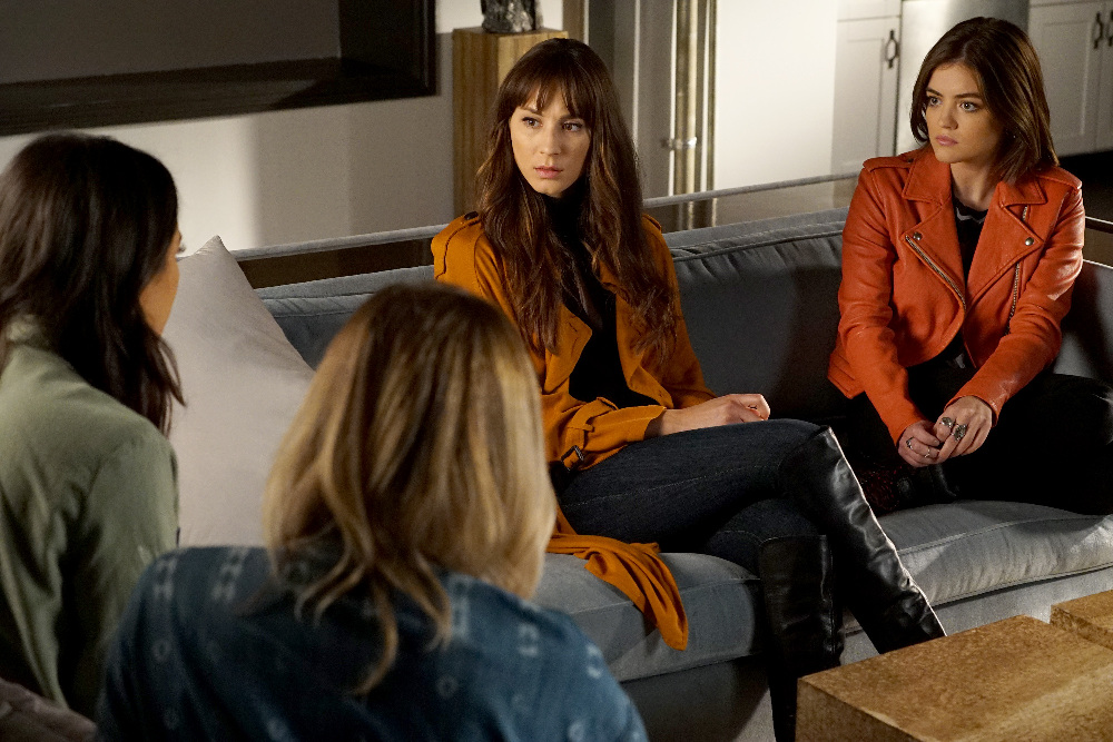 """PRETTY LITTLE LIARS - """"The Talented Mr. Rollins"""" - The PLLs attempt to rescue Ali from the psychiatric hospital in """"The Talented Mr. Rollins,"""" an all-new episode of Freeform's hit original series """"Pretty Little Liars,"""" airing TUESDAY, JULY 5 (8:00-9:00 p.m. EDT). (Freeform/Eric McCandless) TROIAN BELLISARIO, LUCY HALE"""