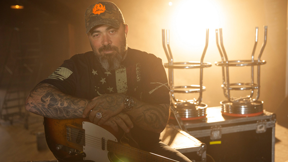 1471382411 5346337 aaron lewis tickets - Aaron Lewis - Sinner (Album Review)