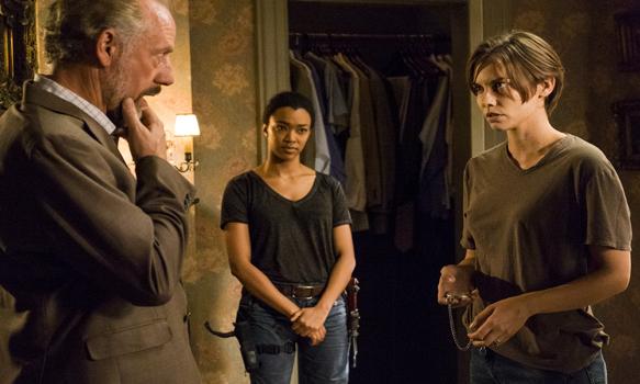 Xander Berkeley as Gregory, Sonequa Martin-Green as Sasha Williams, Lauren Cohan as Maggie Greene- The Walking Dead _ Season 7, Episode 5 - Photo Credit: Gene Page/AMC