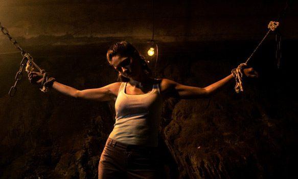 Blackburn-Jade-Sarah-Lind-Chained_0