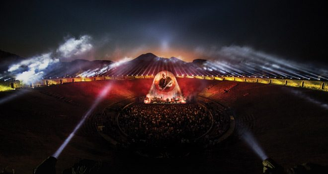 david gilmour live at pompeii - David Gilmour - Live At Pompeii (Live Album Review)