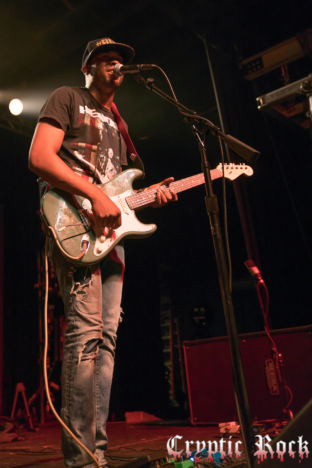 Ayron Jones (16)