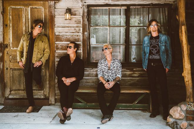STP OP 657 Colour - Stone Temple Pilots - Stone Temple Pilots (Album Review)