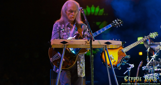 yes live 2 - Interview - Steve Howe of YES