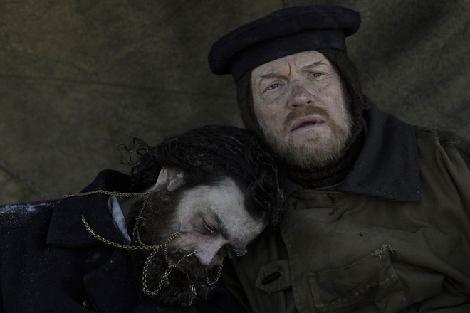 Jared Harris as Francis Crozier Matthew McNulty as Lt - The Terror (Season One Review)