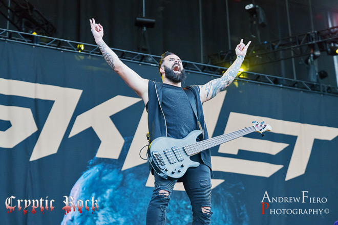 skillet 2017 live - Interview - John Cooper of Skillet Talks Victorious