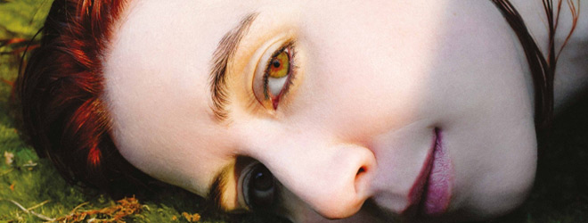 austra slide - Austra - HiRUDiN (Album Review)
