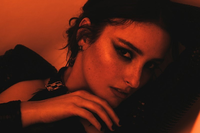 banks promo - BANKS - Live and Stripped (EP Review)